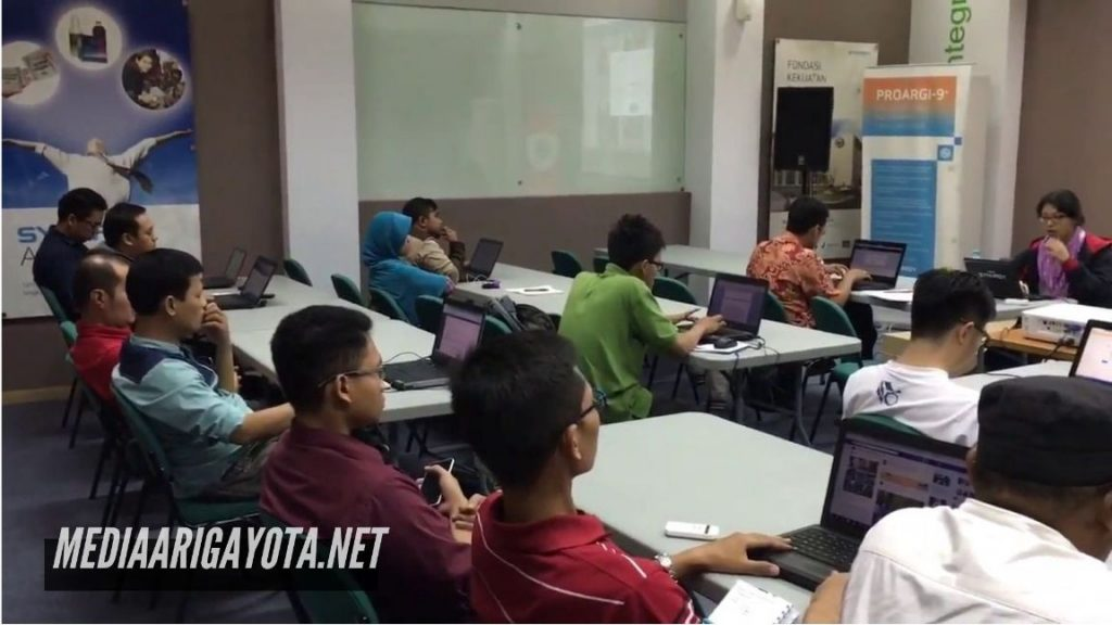 Kelas Belajar Bisnis Online SB1M di Kayumanis Bogor