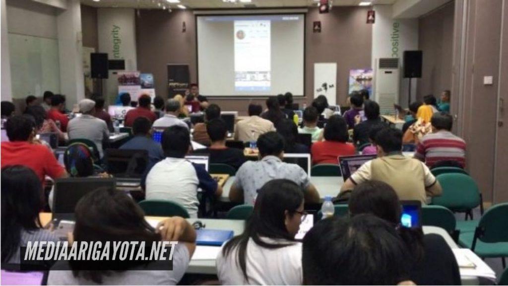 Kelas Belajar Bisnis Online SB1M di Majene
