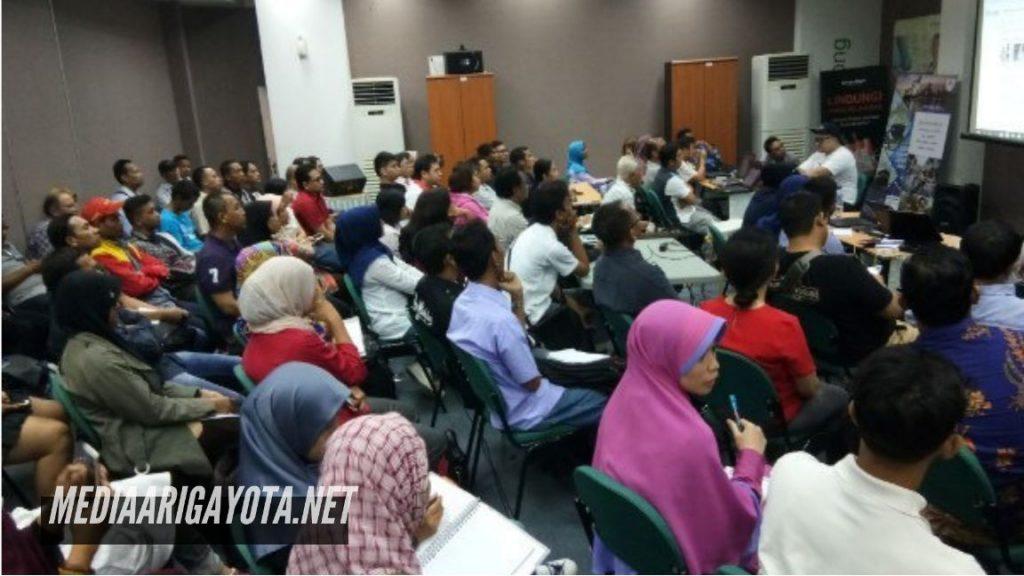Pelatihan Bisnis Online SB1M di Gandamekar Bekasi