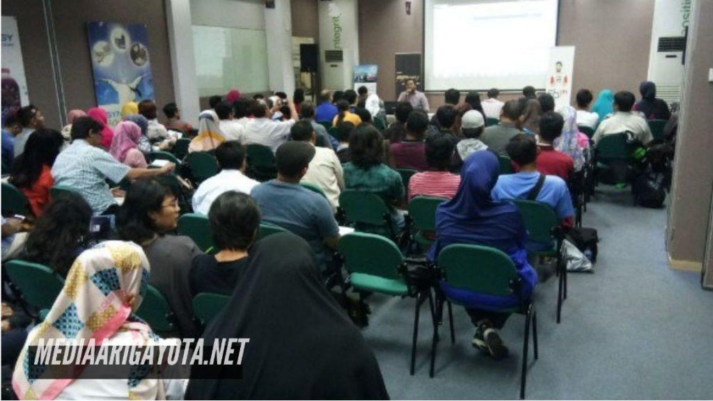 Kelas Belajar Bisnis Online SB1M di Kota Bambu Utara Jakarta Barat